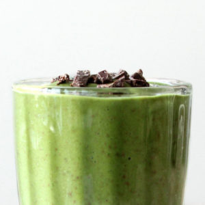 preview-full-aloha-mint-chocolate-chip-green-smoothie-hero