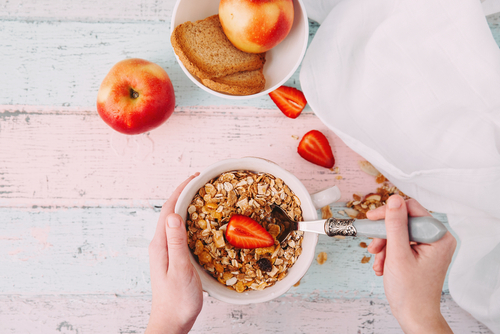 whole grain cereal with strawberry