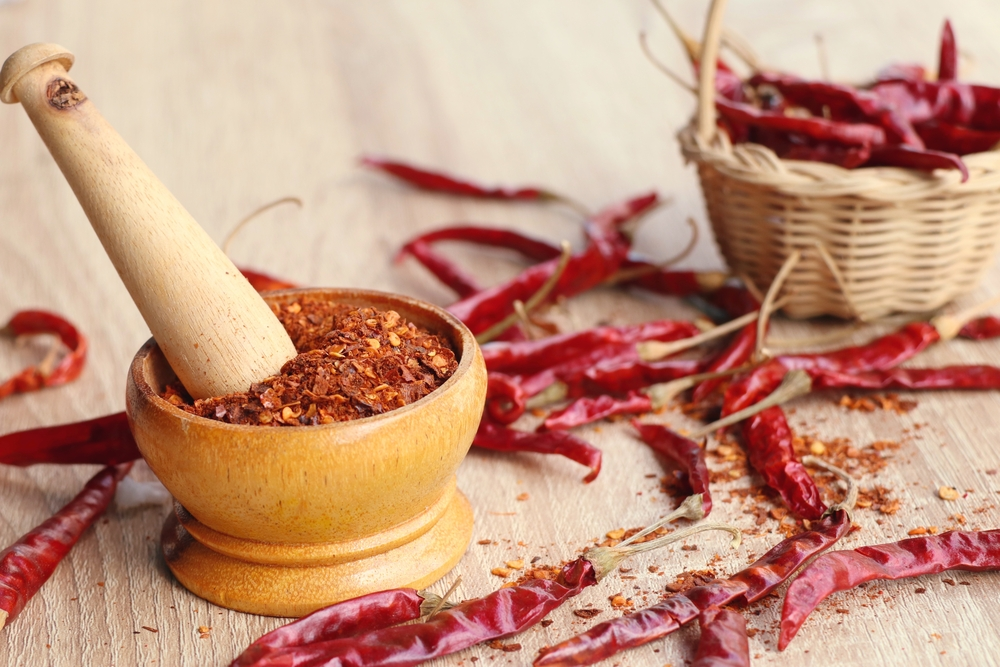 cayenne pepper chili flakes helps lessen body fat percentage