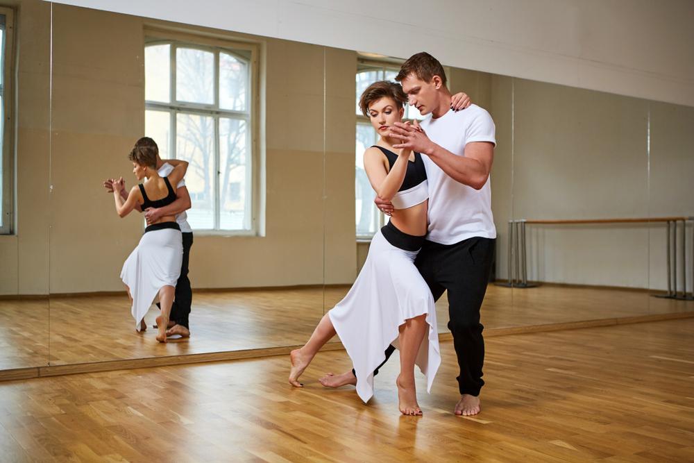 Advantages of Ballroom Dancing